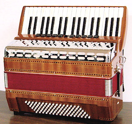 Learn to play button accordion